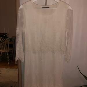 Spets klänning