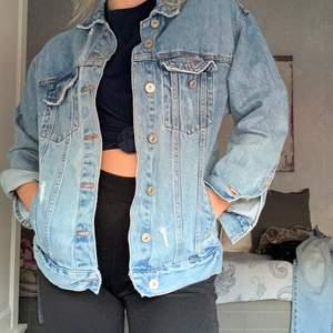 Jeans jacka från Pull&Bear sjukt snygg! Oversized
