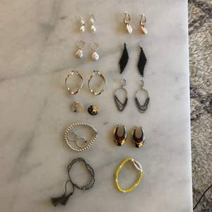 Beautiful jewelry mostly from Pilgrim or second hand stores! All for 300 or each for 40 kr + 10 kr shipping 💓💓💓
