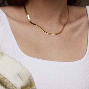 Metall halsband guldfärgade, oanvänd, frakt 12 kr