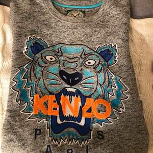 Jättefin Kenzo-tröja, knappt använd. Köpt på NK för två år sen.
