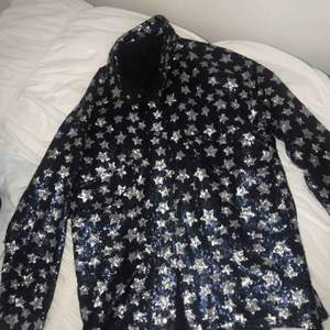 Säljer nu min favorit jacka från Zara!!