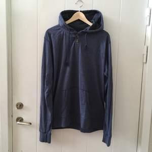 Så mysig overaized hoodie, säljer pga inte använt denna på väldigt länge