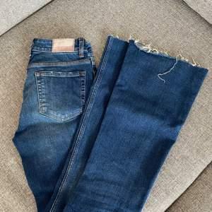 Bootcut jeans från zara. Köpare står för frakt.