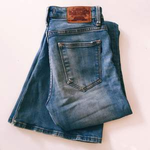 Skitsnygga jeans från Crocker. Hela och rena trots att de varit mina favvo-jeans. Nu är de för små.. de förtjänar någon som ger dom mycket kärlek.