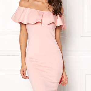Elegant klänning, st 38/40 stretch. Kan postas.