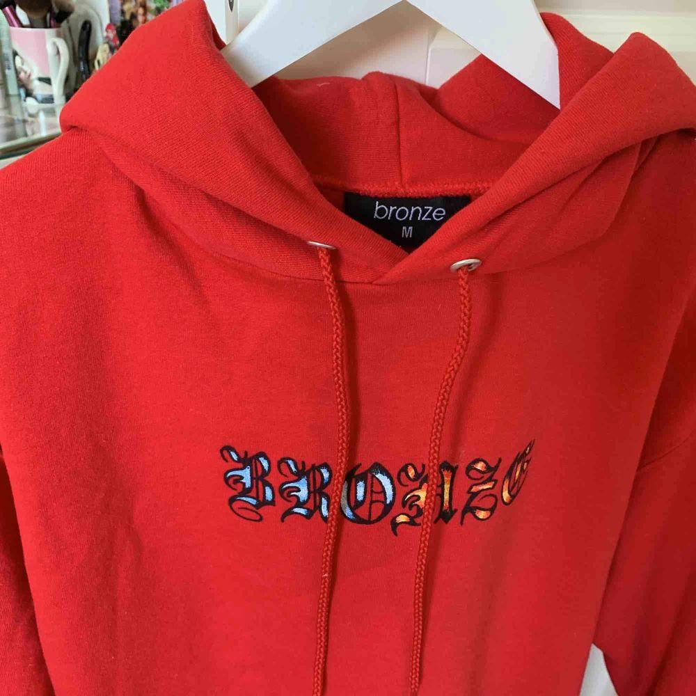 Bronze56k hoodie i jätte fint skick. Huvtröjor & Träningströjor.