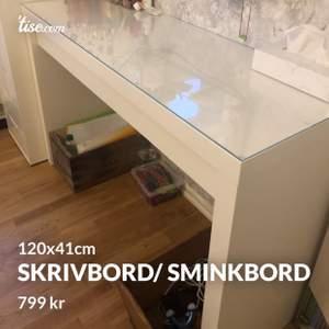 Säljer detta skrivbord/ sminkbord. Priser är 799kr. Ord pris 1000kr