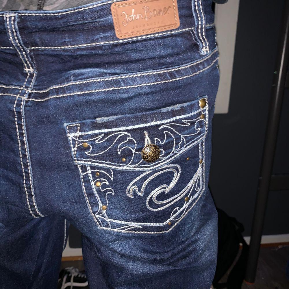 Tvär feta jeans bra skick . Jeans & Byxor.