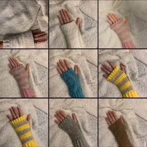 Säljer egengjorda handledsvärmare i olika färger! Just nu är dom rosa sålda men göra hela tiden nya och det går även att beställa i valfri färg. :)