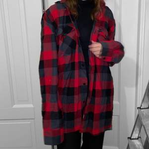 Rutig oversized skjorta! Knappt använd