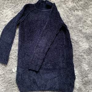 En superfin stickadklänning ifrån cubus nypris 299kr men säljer den för 200 ink frakr 😊vid yttligare frågor kontakta mig❣️frakten är inräknad i priset😊