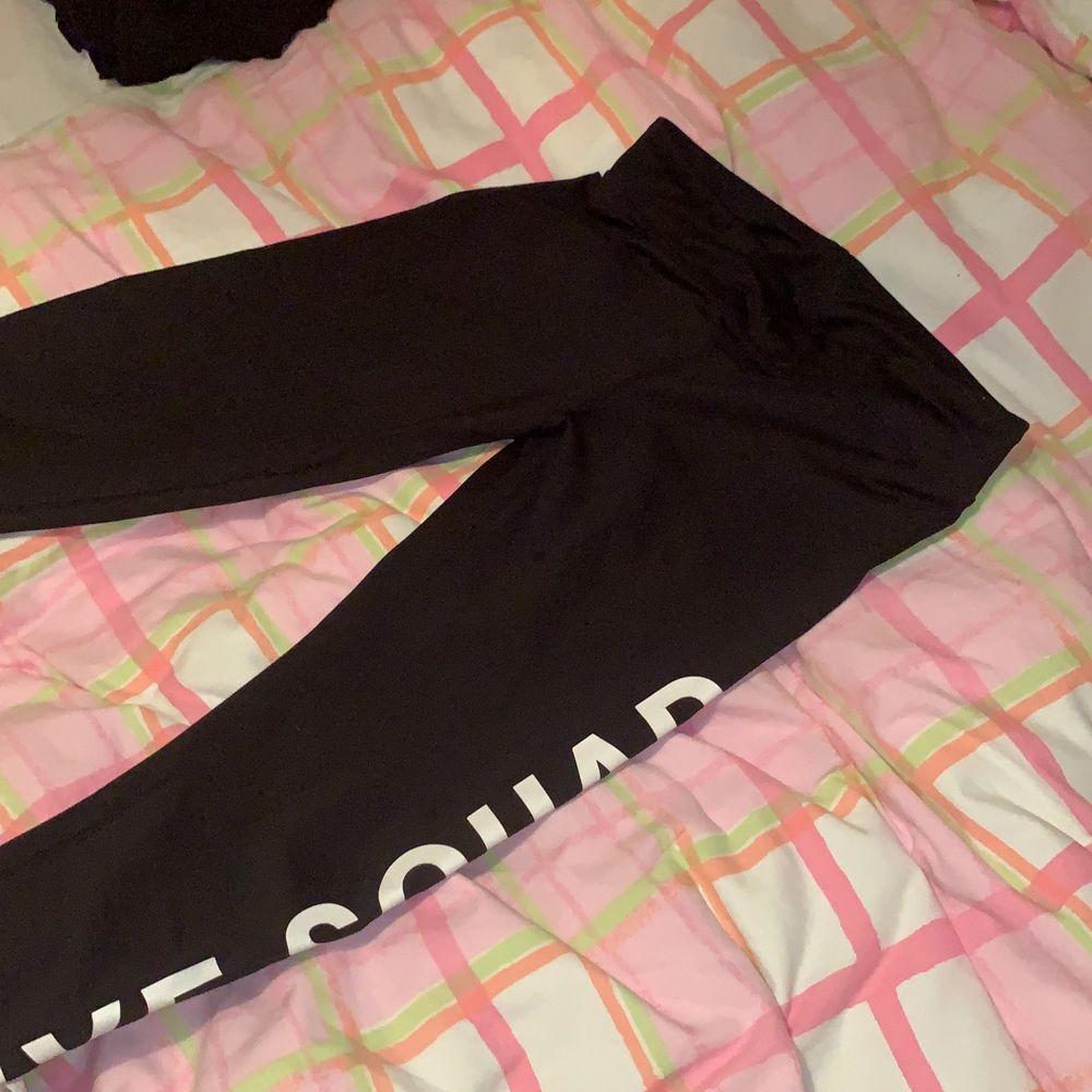 Nyskick. Jeans & Byxor.