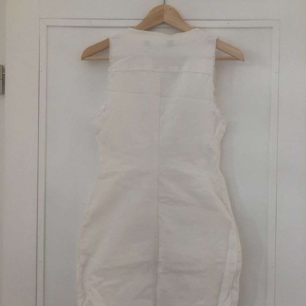 Supersnygg jeansklänning från missguided 🥰 eventuell frakt står köparen för 🌼. Klänningar.