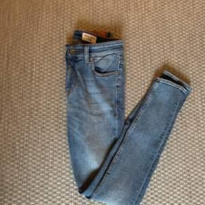 Lågmidjade Tiger of sweden Jeans storlek 28/30 (midja/längd) riktigt snygga och knappt använda