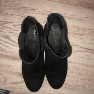 Skor med klack från din sko