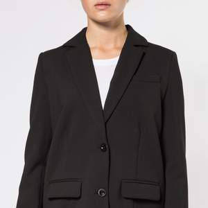 - Anita Suiting  - Never worn/aldrig använd - org.pris 1800 kr, pris kan diskuteras - Storlek L, snygg oversize - Möts i Stockholm eller fraktas