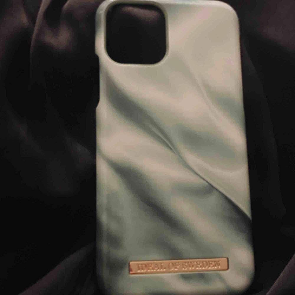 säljer ideal of swedens senaste skal, pistachio satin för telefon iPhone 11 PRO / xs / x. Säljer för att jag beställde fel modell till ett samarbete 💓💓💓 ALDRIG använd och är som nytt. Accessoarer.