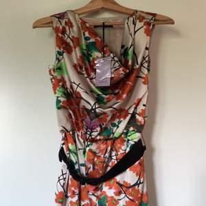 Coast dress  100% brand new Size 8/36 Material: silk Swish