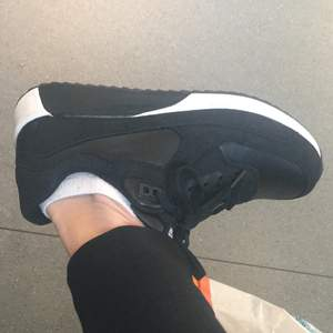Black size 37