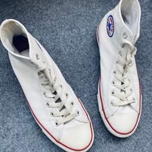 Converse i vitt läder Herr stl 44 mycket fint skick!