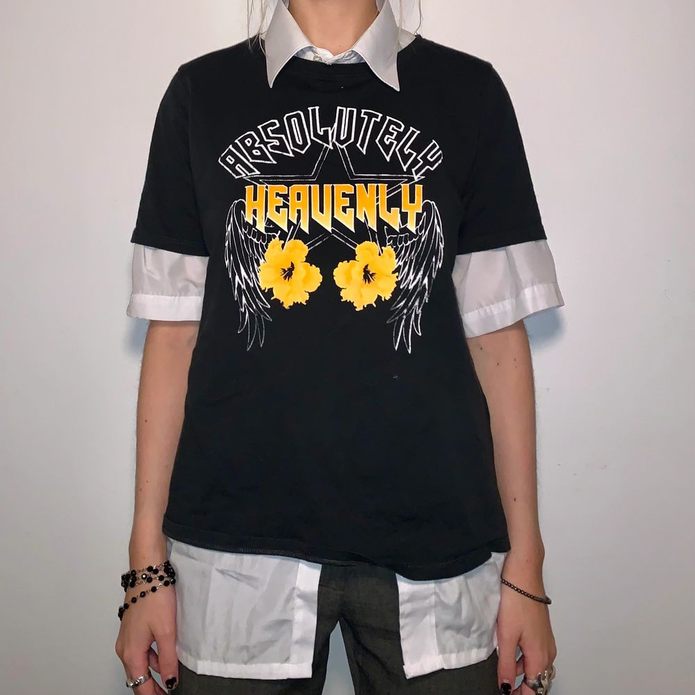 ascool t-shirt med tryck! skjortan under ingår ej, men går att köpa på min profil!<3. T-shirts.