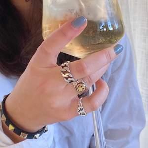 Köp i chatten eller DM på instagram @FliippFlapps ⚡️ reglerbara ringar i sterling silver 925! 150kr/st