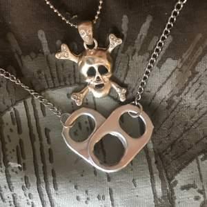 Jätte fina halsband med ett hjärta av kapsyler❤️ kan göra halsbanden i guld också och kapsylerna kan göras i valfri färg bara att skriva om ni vill fråga något! Frakt 12kr kolla in min sida för flera smycken.