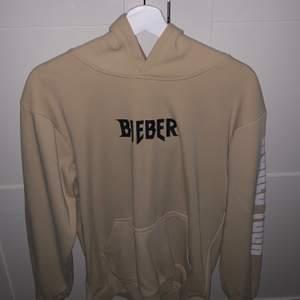 Justin merch. Köpt på purpose turnén. Storlek S <3