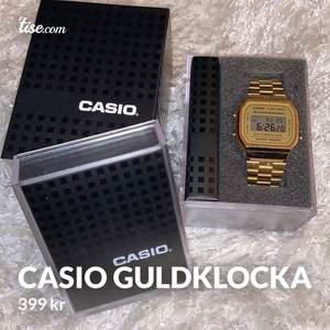 Super fin guld Klocka från Casio. Den är i super bra skick! Självklart äkta! Säljs då den ej används!