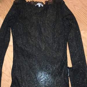 Glittrig mesh tröja från chiquelle! Fint skick, strl s!