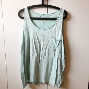 min expojkväns gamla linne. oversized, luftigt och supermysigt 😌 välanvänd men inte slitet. storlek XL-XXL