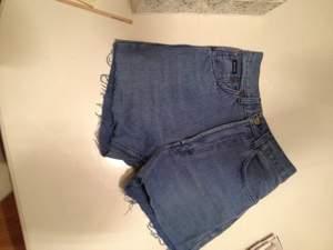 Jeansshorts från Hugo Boss