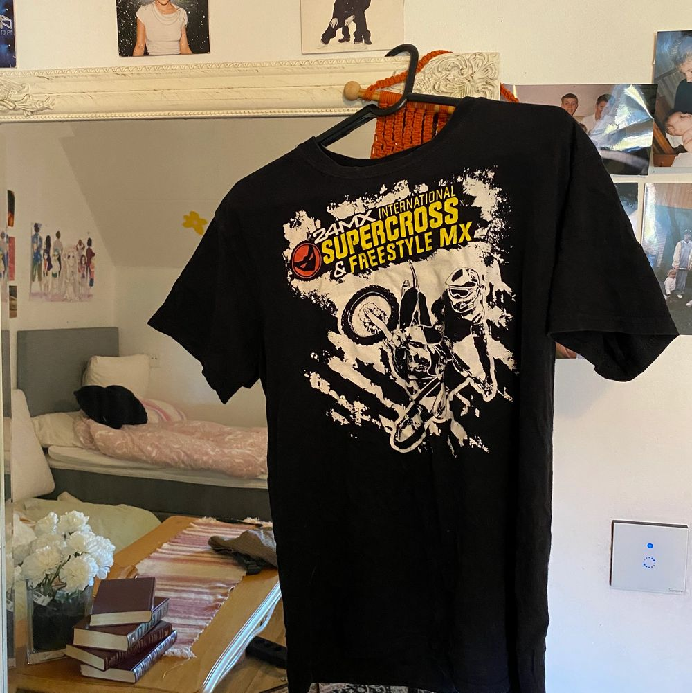 Frakt: 63kr💞. T-shirts.