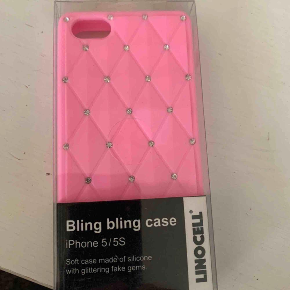 Nytt bling bling silicon case / skal för iPhone 5 /5s.  Kan skickas mot porto 11:- . Övrigt.