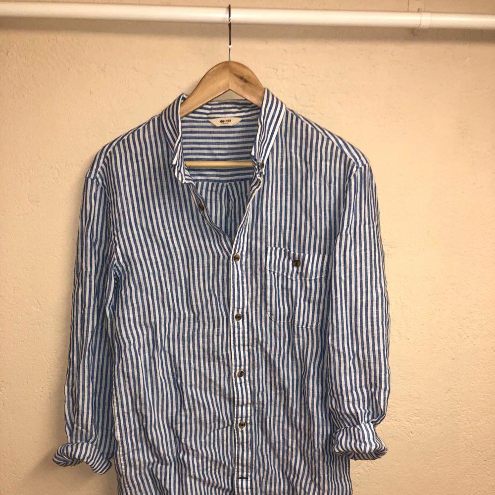 Linnéskjorta från NN07. Skjortor.
