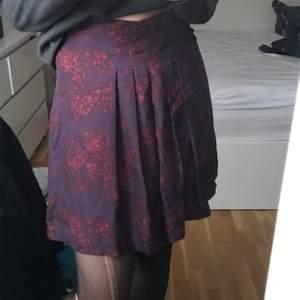 Häftig kjol från tiger of Sweden. Frakt 24kr💕