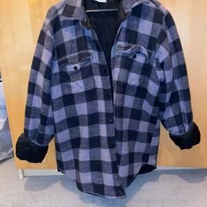 Oversize vintage jacka med fickor på bröstet
