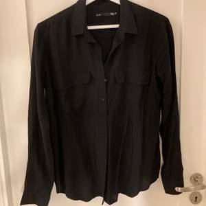 Oversized skjorta från Lager 157 som är helt oanvänd, strl xs men oversized🤍