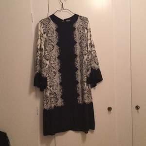 Bohemisk kaftan klänning. Storlek 44