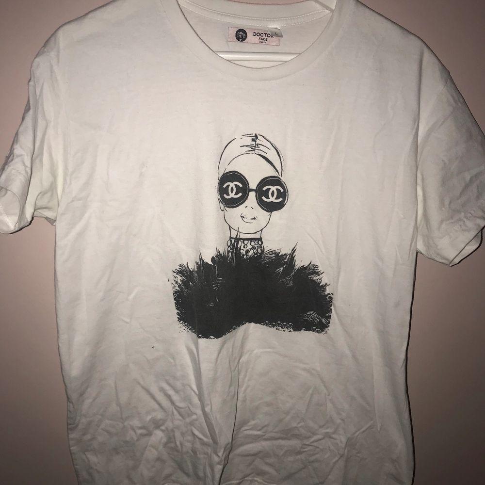 Bra skick. T-shirts.