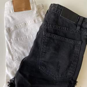 två par fina shorts, ett par från Gina tricot och ett par från Nelly. båda är i finfint skick o i storleken xs.