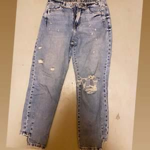 Snygga jeans från zara i storlek 36. 40:- eller bud
