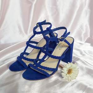🦋 BEAUTIFUL SUEDE DEEP BLUE SANDALS WITH 8.5cm/3.3