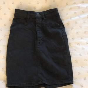 En jätte fin jeans kjol använd fåtal gånger