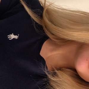 Marinblå Ralph Lauren T-shirt i bra skick❣️