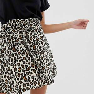 Jättefin kjol i bra kvalitet från Pimkie, köpt förra sommaren och har endast använt fåtal gånger. 🦁🐯🦁