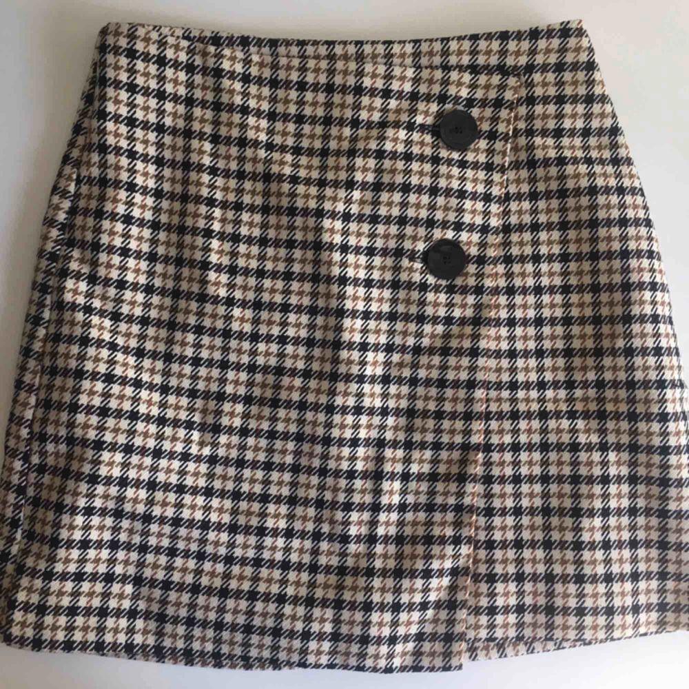 En så söt kjol nu till sommaren!🌻🌼 frakt tillkommer!🌸. Kjolar.