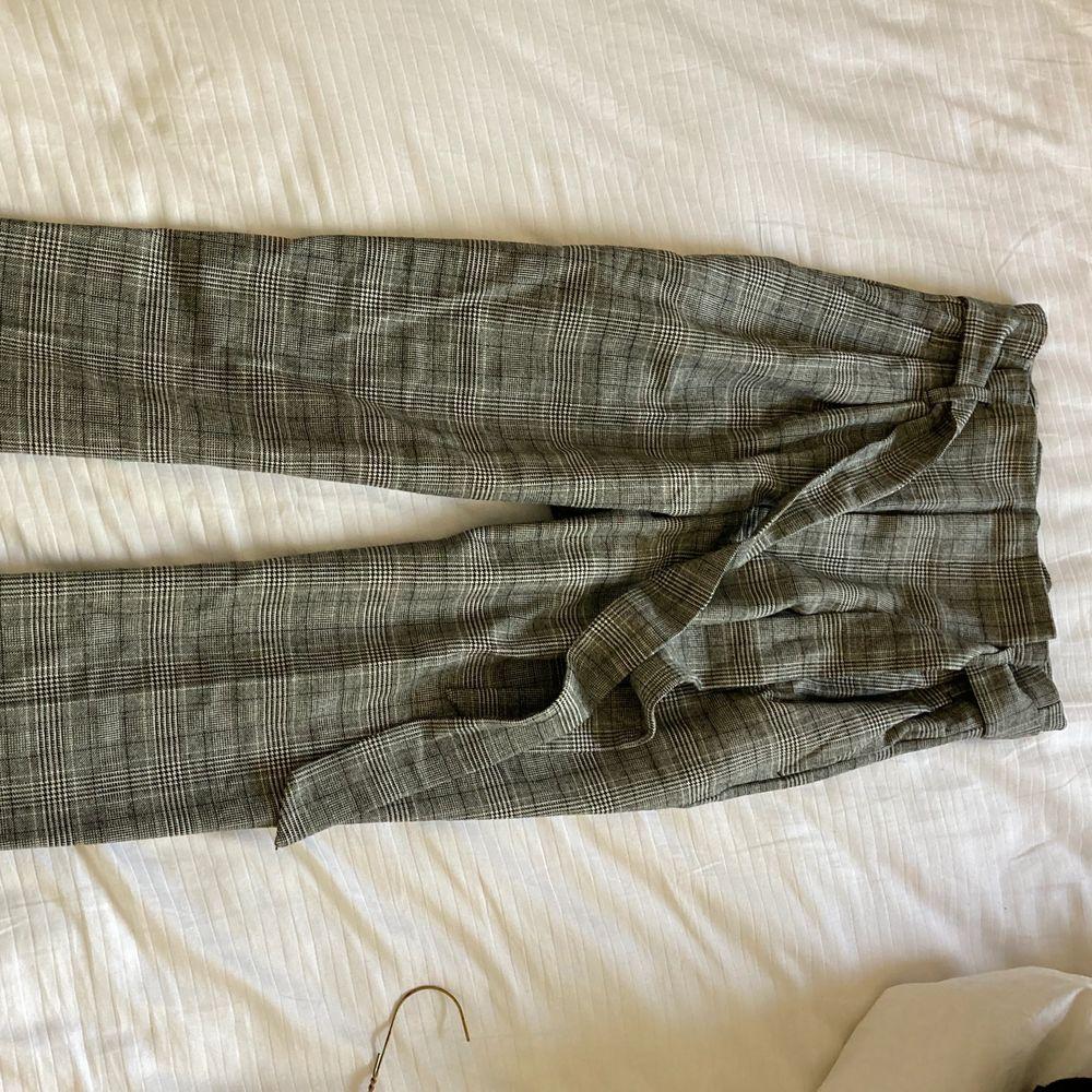 Aldrig använda kostymbyxor nyskick önskar dem passade mig men super fina. Jeans & Byxor.