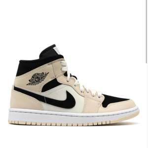 söker dessa skor i storlek 36 eller 36,5